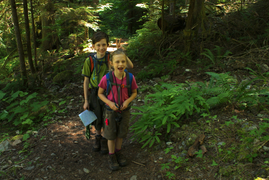 kids hiking, north cascades national park,